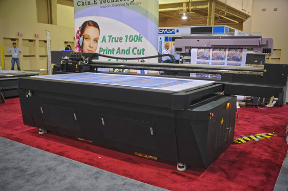 In its beginnings, the company exhibited as Chin E Technologies, (which was later shortened to CET). Here, the Chin E. Technologies X-Press flatbed printer at ISA 2009.