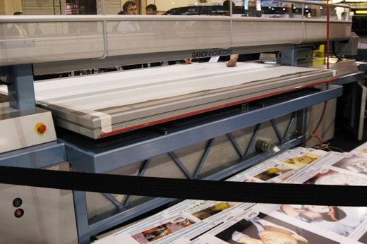 Picture of the Gandinnovations Jeti 1224 UV Nanojet 2, Ricoh printheads, with FTR Roll to roll option