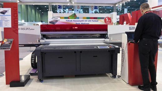 Mimaki JFx1631 printer at Sign Istanbul 2012