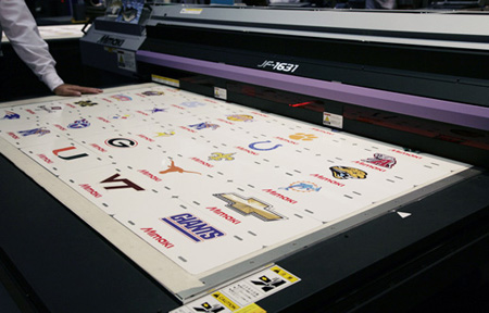 Mimaki JF-1631 and Mimaki JF1610 flatbed printers reviews