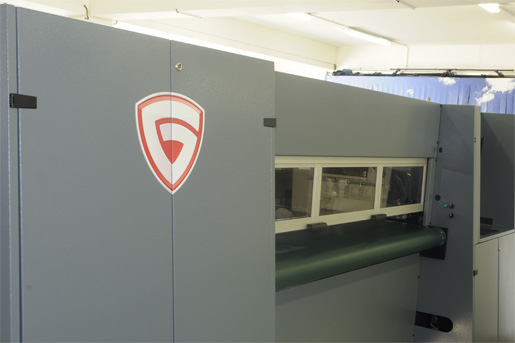 The GRAPO Shark roll-to-roll production UV flatbed printer evaluations