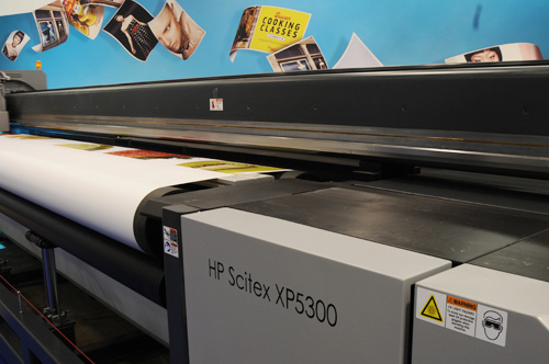 reviews of the roll-to-roll UV-curable inkjet printers evolve from NUR Expedio 5000 and NUR Revolution