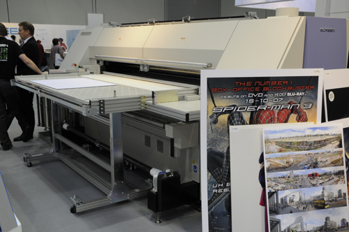 Screen Truepress Jet2500UV curable combo-style flatbed inkjet printer evaluations