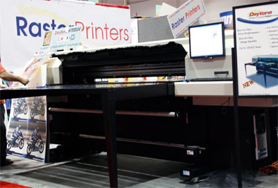 Raster Printers Daytona H700UV, a new 72-inch wide hybrid, roll and rigid media