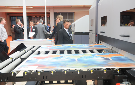 Durst Rho 1000 combo flatbed printer evaluations