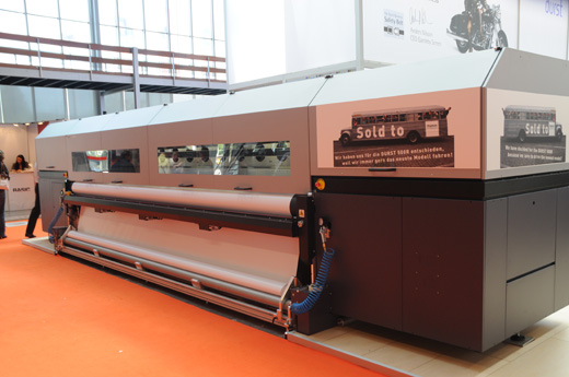 The Durst Rho 500R 5-meter roll-to-roll UV printer reviews