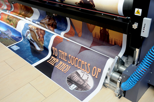 Durst Rho 500R, 5-meter roll-to-roll UV-curable inkjet printer for billboards, banners, and signage