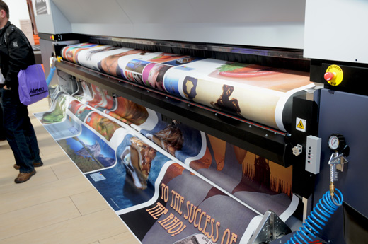 the Durst Rho 500R is the newest 5-meter roll to roll UV printer