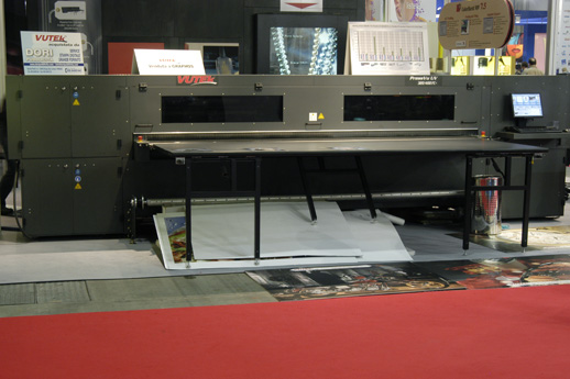 Vutek PressVu UV 320/400 flatbed printer reviews