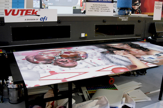 Picture of the VUTEk PressVu UV 320/400 flatbed printer evaluations