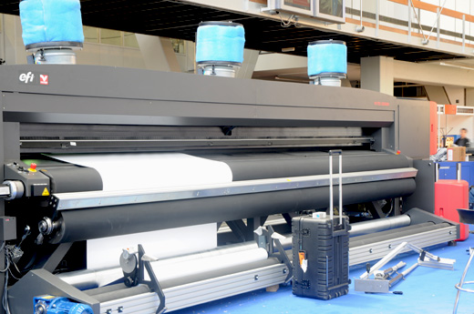 VUTEK GS5000r, 5-meter roll-to-roll UV-curable inkjet printer POP, POS, grandformat building wrap, billboards, banners, signage, reviews