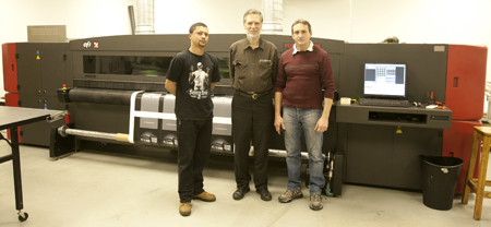 FLAAR-inspection-of-a-VUTEk-UV-cured-printer-at-a-large-successful-printshop-in-Johannesburg-South-Africa