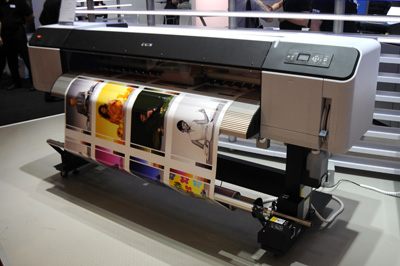 Angle view of Epson GS6000 solvent printer