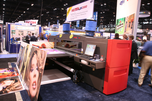 VUTEk QS2000 UV-curable inkjet flatbed